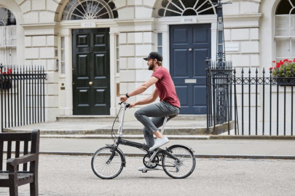 men folding bike (1)